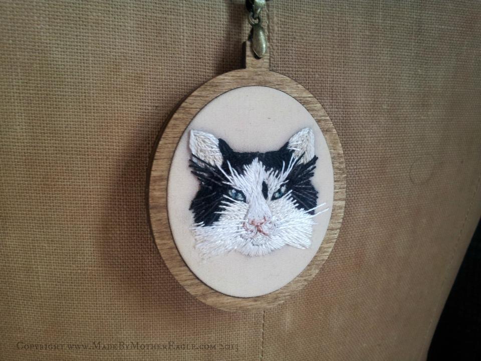cat portrait pendant