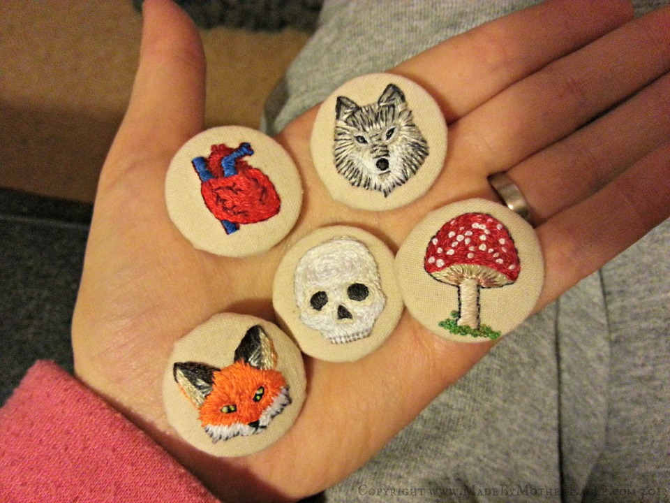 mianture embroidered buttons