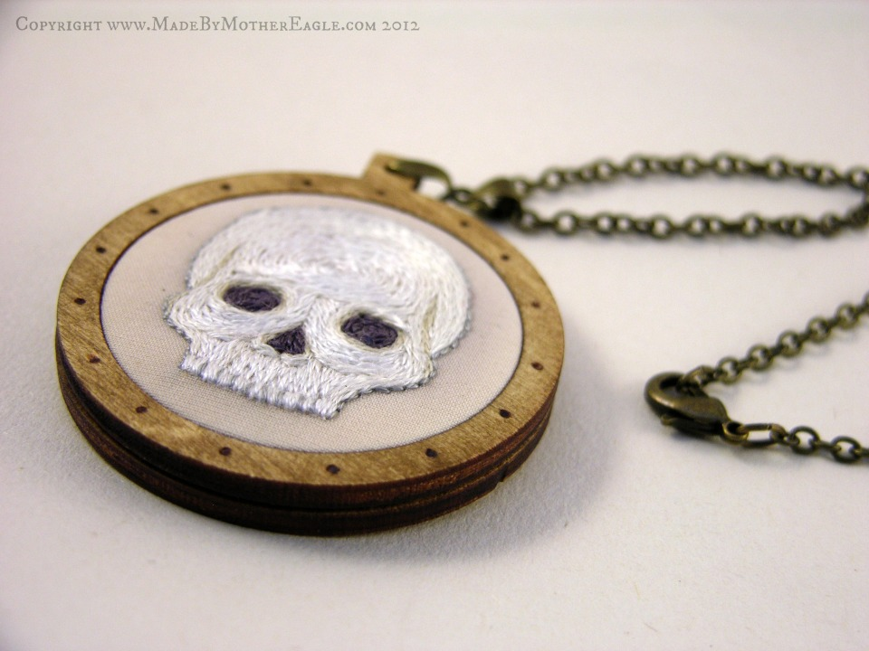 skull face embroidey